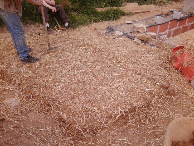 70 best construire des murs en terre cob wall mud for Construire sur une terre agricole