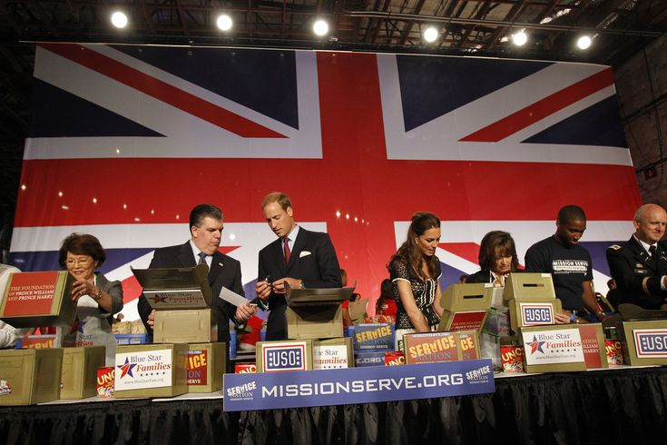 """Kate Middleton Photos: The Duke And Duchess Of Cambridge Attend The Mission Serve """"Hiring Our Heroes Los Angeles"""" Job Fair"""