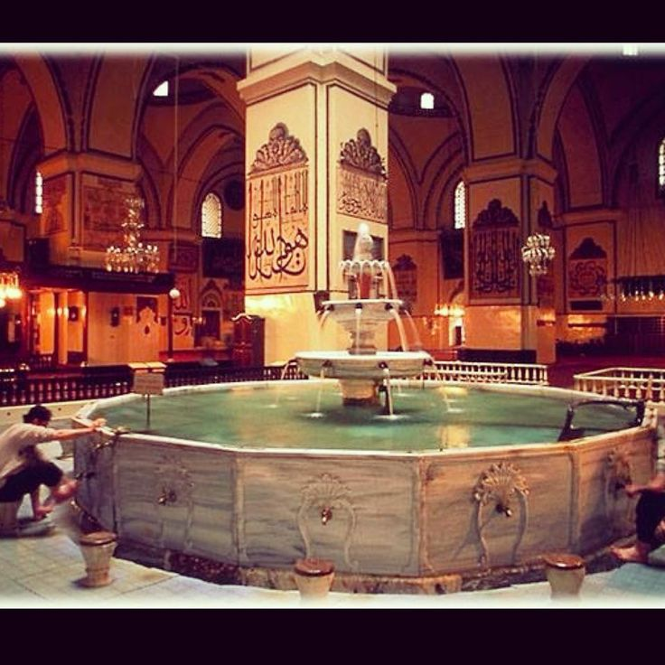 Another Bursa treasure worth visiting: The Ulu Cami Mosque. This is the largest mosque in Bursa and a landmark of Ottoman architecture, a real beauty!  #sheraton #bursa #sheratonbursa #hotel #greenbursa #beautiful #ulucami #mosque #ottoman #architecture #fountain #tourism #attraction #culture #heritage #history #religion #cami #tarih #kültür #değer #mimari #osmanlı #turizm