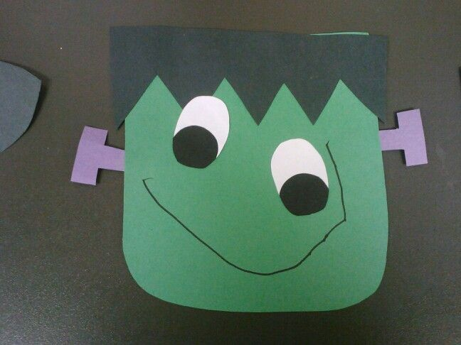 Simple Halloween craft that I made for/with my preschool class