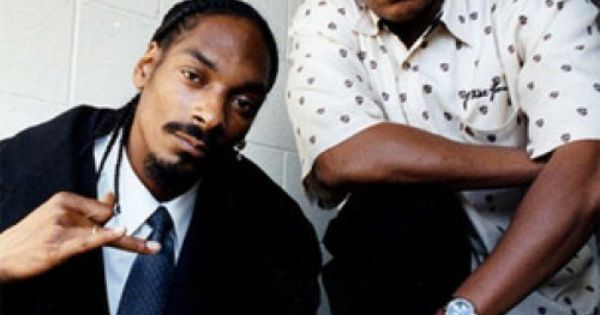 Video: Dr. Dre & Snoop Dogg  Coachella 2012 Performance (Featuring 2Pac 50 Cent Eminem & More) #music