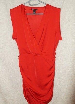 À vendre sur #vintedfrance ! http://www.vinted.fr/mode-femmes/robes-de-soirees-and-cocktails/25952024-robe-rouge-mango