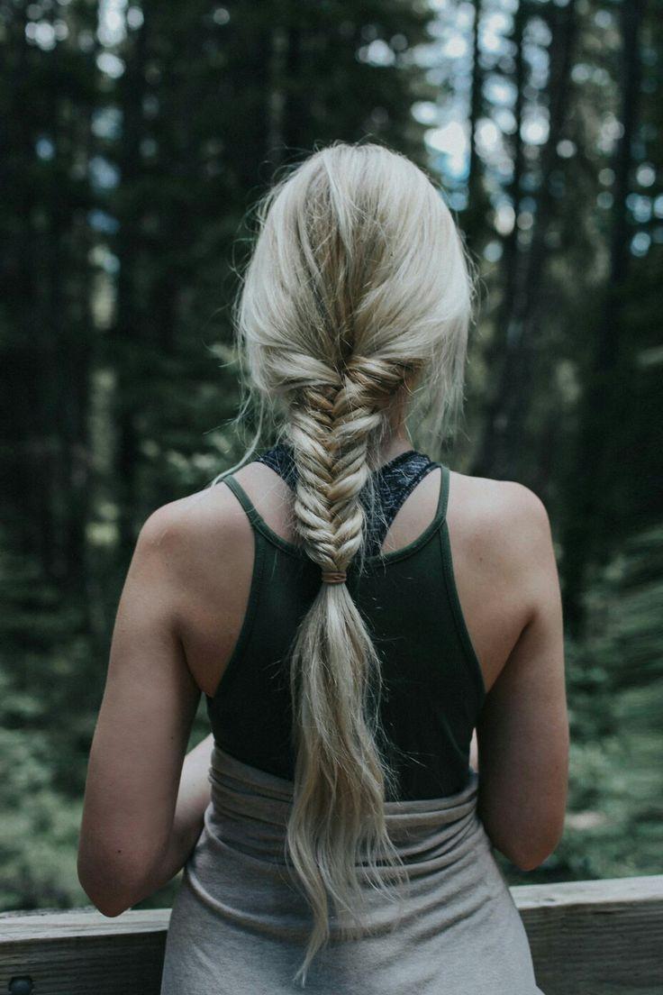 Hiking hair style   Road trip hair style  Long braids, fishtail braid    www.bakaichik.com