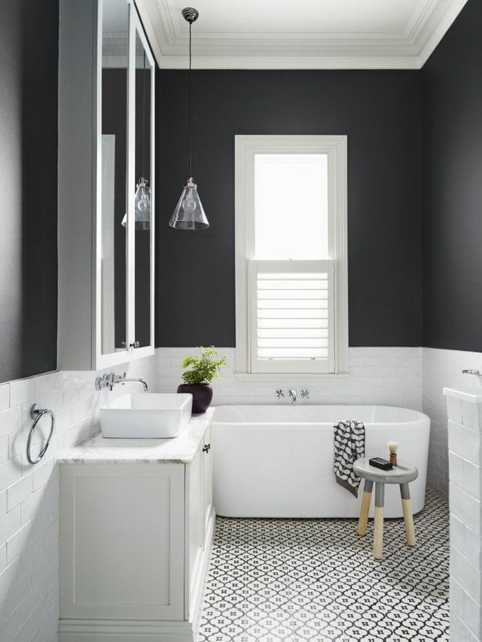 Idée décoration Salle de bain – carrelage noir et blanc dans la ...