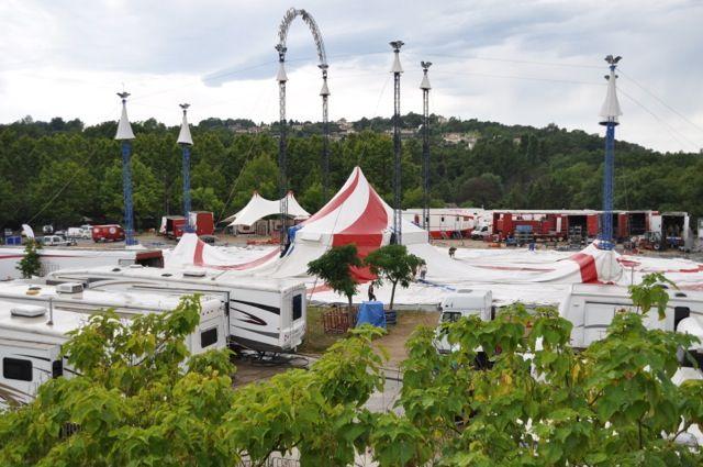 Le village dans la ville , les 135 personnes du cirque Arlette Gruss à Valbonne !