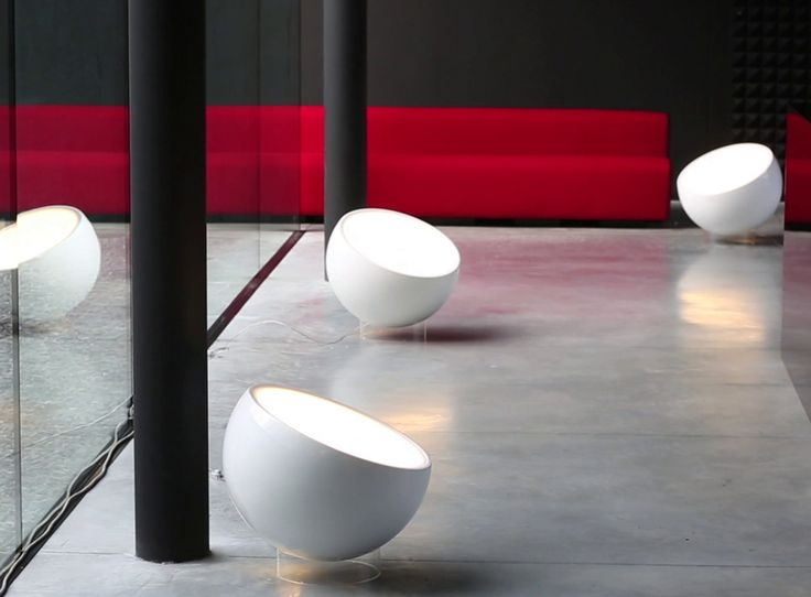 #Biluna floor lamp, design by Luc Ramael for #Prandina, provides a soft and uniform light diffusion thanks to the spherical shape of its diffuser. #Lighting #interiors #floorlamp