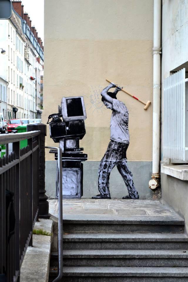 "street art by Levalet- ""Service après-vente"" Paris XIV http://restreet.altervista.org/levalet-si-muove-in-bilico-tra-la-poesia-e-la-denuncia-sociale/"