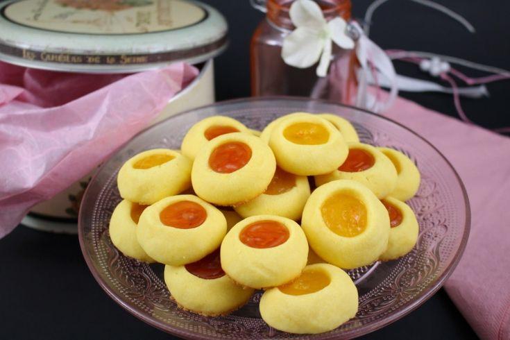 Biscotti alla marmellata con tuorli sodi I biscotti con i tuorli sodi nell'impasto? Certo, eccoli qua! Si chiamano ovis mollis e mettere i tuorli sodi nell