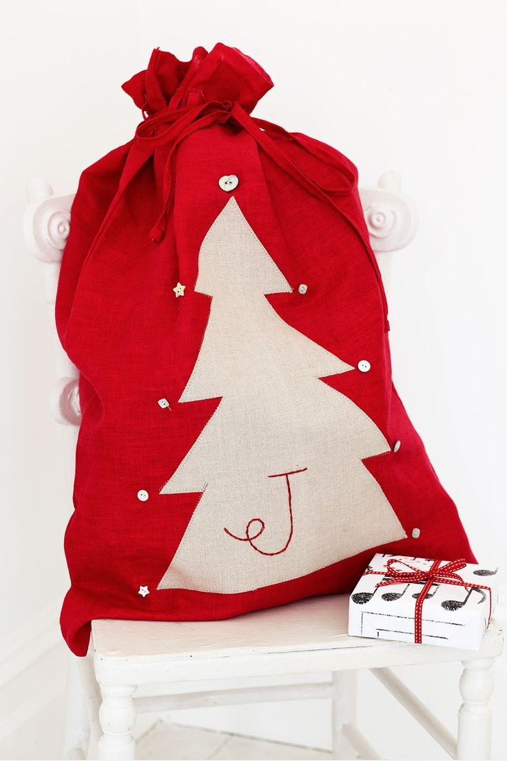 Sew personalised Christmas sacks to reuse year after year. Find lots more Christmas craft ideas over on prima.co.uk