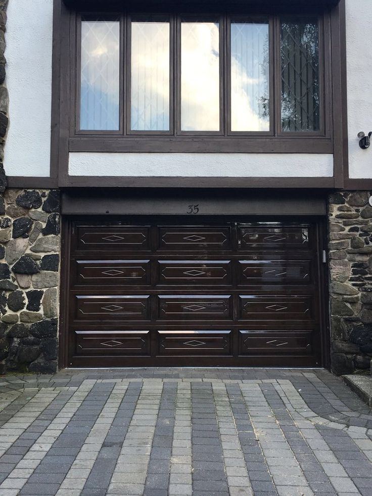 http://pin.it/gnlG8XV  Beautiful garage door in New York City.