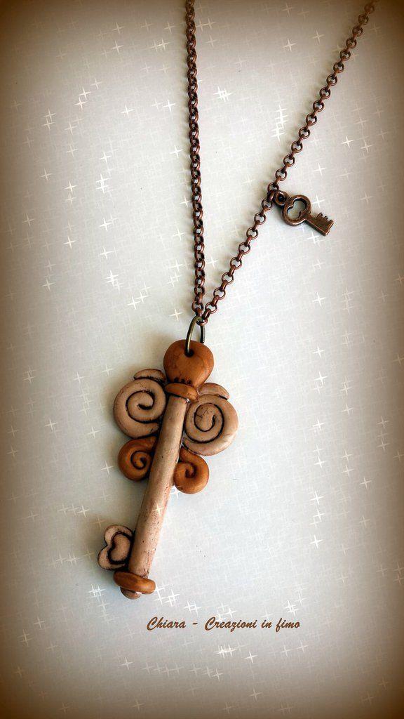 Collana con ciondolo in #fimo handmade con chiave portafortuna anticata idee regalo donna , by Chiara - Creazioni in fimo, 9,50 € su misshobby.com