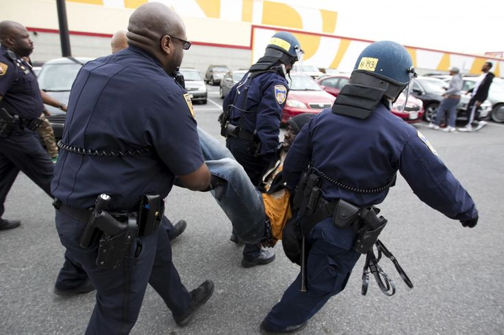 Baltimore police say 7 officers have been injured, 1 officer unresponsive http://wapo.st/1Fscx5f