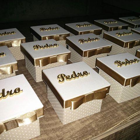 Essas foram para o RJ.. A cliente amouu, caixinhas para a chegada de Pedro  #caixaspersonalizada #linda #poa #lembranças #RJ #pedro #caixasemmdf