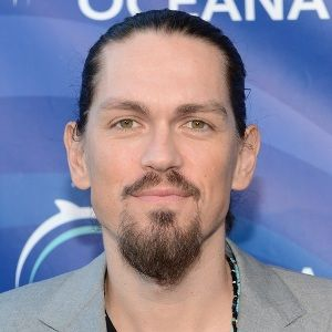 Steve Howey (American, Film Actor) was born on 12-07-1977.  Get more info like birth place, age, birth sign, biography, family, relation & latest news etc.