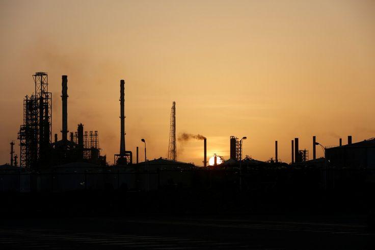 #world #news  Reuters: Oil prices dip as rising U.S. output offsets OPEC-led cuts  #FreeKarpiuk #FreeUkraine