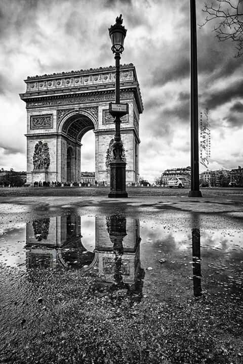 Arc de Triomphe Paris France - been there and its beautiful