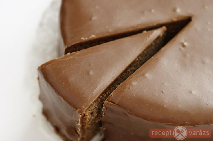 Sacher-torta recept Készítsd el akár 2, vagy 12 főre, a Receptvarazs.hu ebben is segít!
