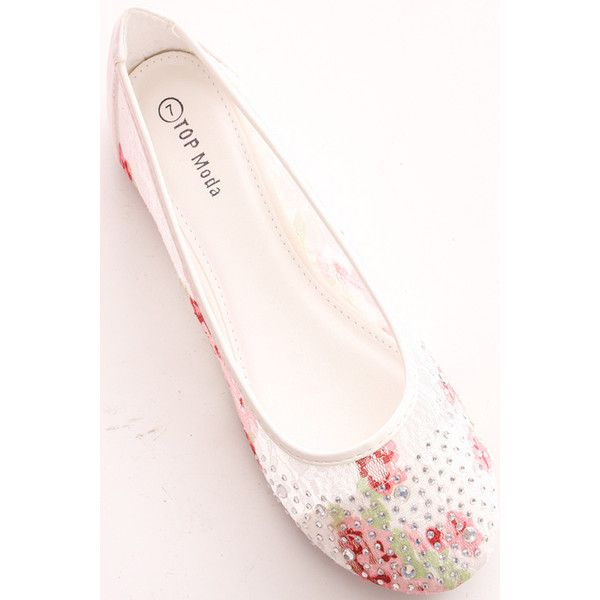 white rhinestone lace floral design casual flats (£4.47) ❤ liked on Polyvore featuring shoes, flats, white, white lace flats, floral flats, flat shoes, flat pumps and white lace shoes