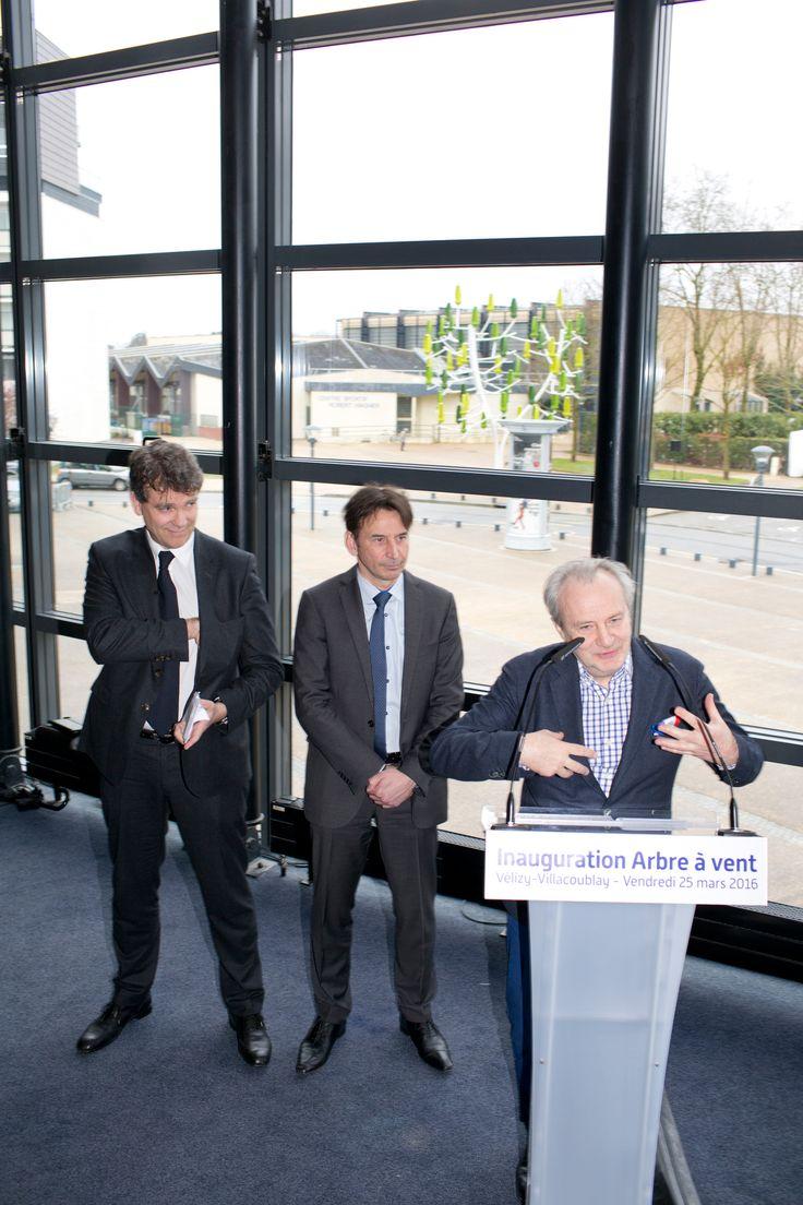 Inauguration de l'Arbre à Vent, le 25 mars 2016. Jérôme Michaud-Larivière CEO de NewWind, Pascal Thévenot, Député-maire de Vélizy et Arnaud Montebourg, Président du Conseil de de Surveillance de NewWind.