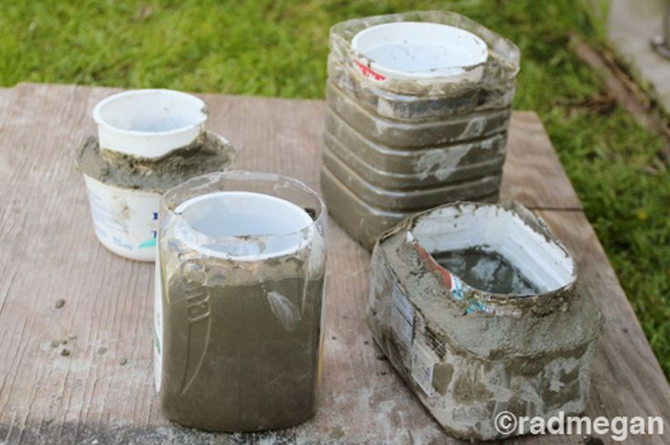 concrete planters diy | Diy Minimalist Concrete Pots | Shelterness