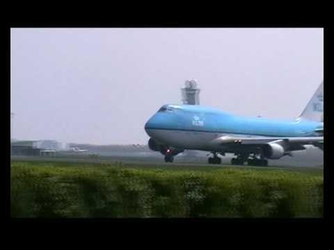 Opstijgen vliegtuig.. KLM .Schiphol Airport.. Netherlands.