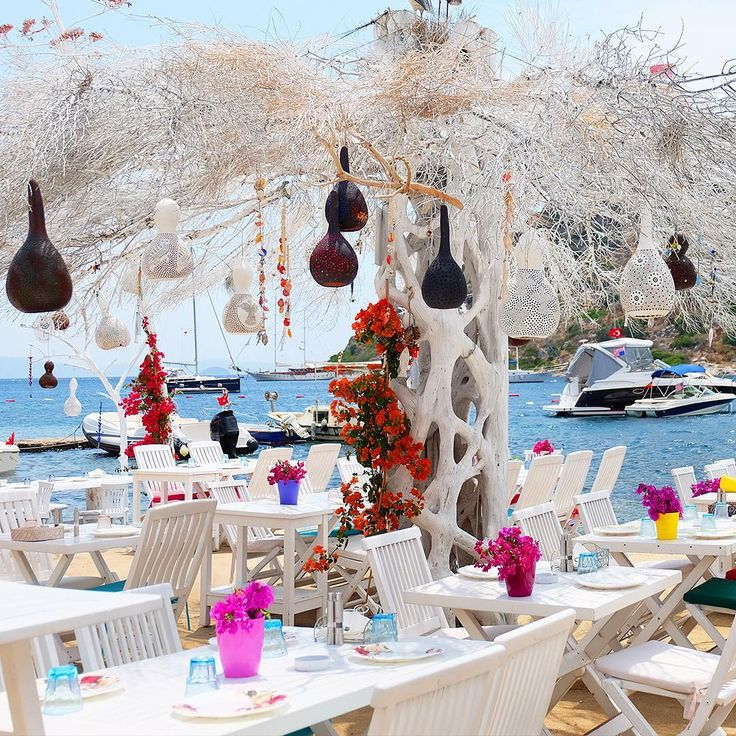 Because good food isn't JUST about the flavors, but about the sounds of the waves rippling past as you enjoy your holiday.  #Bodrum