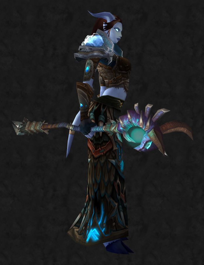 World of Warcraft Female Draenei Shaman Super cool World of Warcraft Weapons