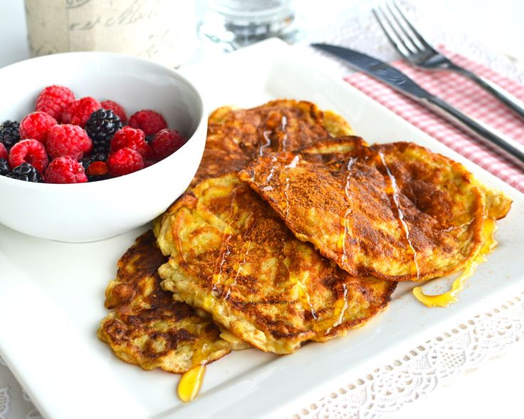 Delicious but healthy banana pancakes! 1 banana and 2 eggs. www.inlovewithhealth.com
