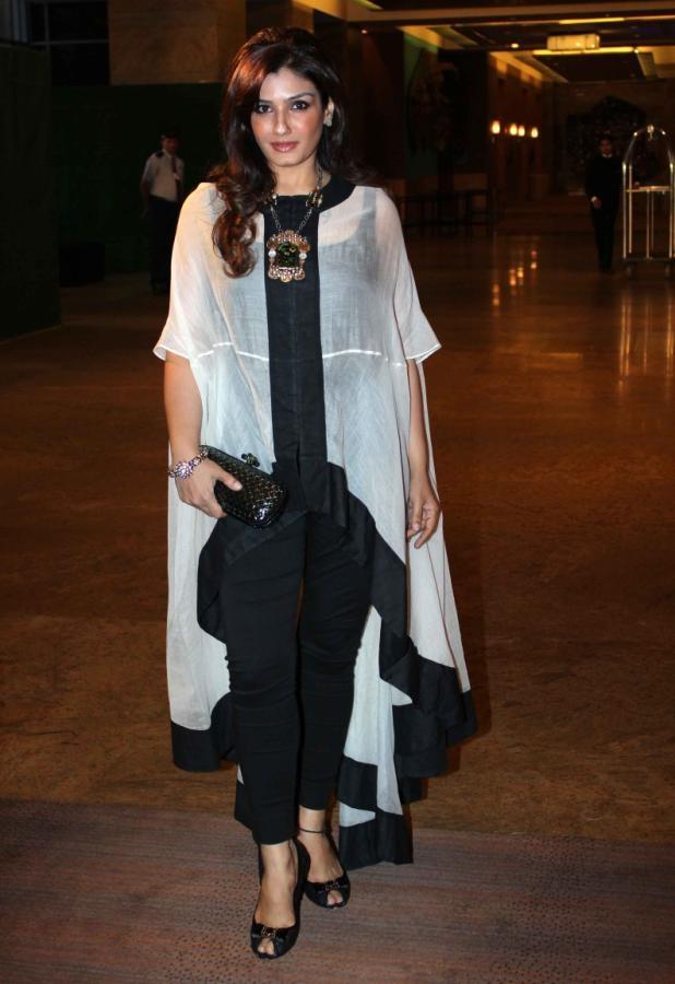 Raveena Tandon - OMG I love her outfit!!  Must like :) https://www.facebook.com/punjabisboutique