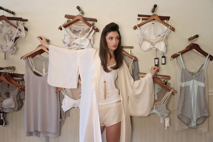 Lille underpinnings vintage robe and ak vintage jewelry - Boutique vintage lille ...