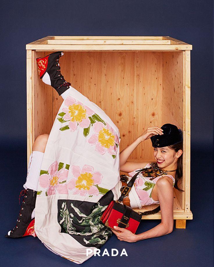 中条あやみと宝物探しへ。最新シューズ&バッグ物語 | FASHION | ファッション | VOGUE GIRL