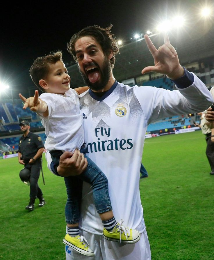 """Isco: """"To all the Real Madrid fans....don't worry...I'm staying here in Madrid"""""""
