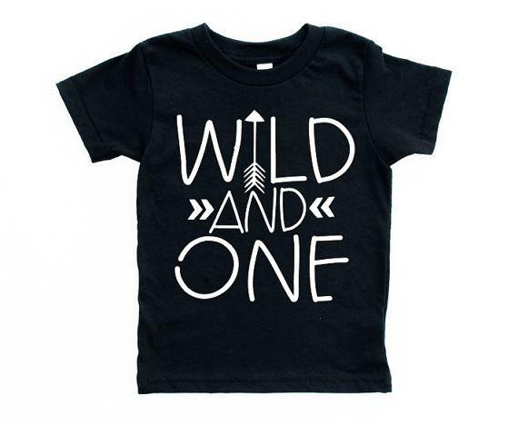 ersten Geburtstag Shirt, Wild und Geburtstag Shirt, ein Pfeil Shirt wildes Kind, 1. Geburtstag Outfit, jungen Geburtstag, Geburtstag, Mädchen, beliebig
