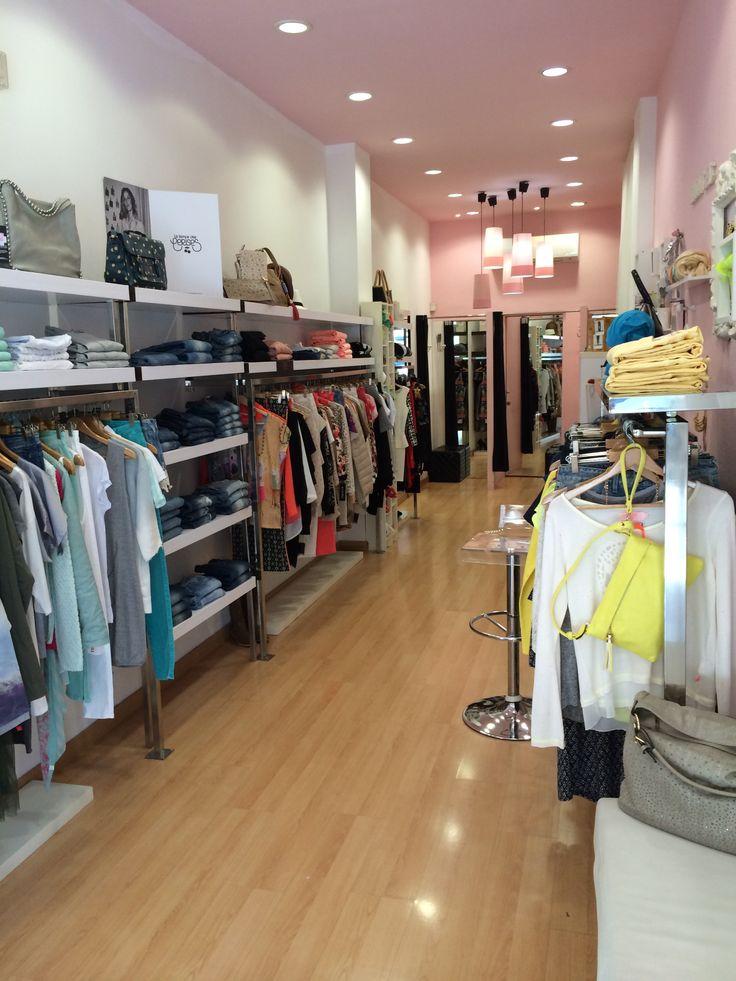 DADA CHIC ~  Les darreres tendències femenines de moda i complements per arrodonir un look diví~ c/Major, 2. Inca, Mallorca.