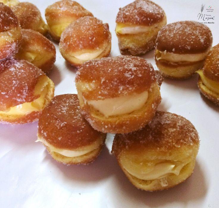 #bombolini fritti farciti di #carnevale #artigianale #tradizionemarchigiana #foody #fornomascia