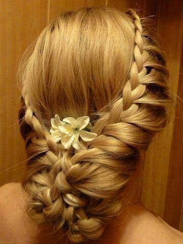 Annabelle's hairstyle she had at the meeting with the Telmarines and Narnians