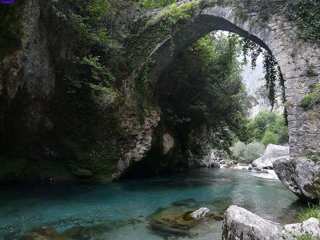 Punte sobre rio Cares, Picos de Europa, Asturias...go here!