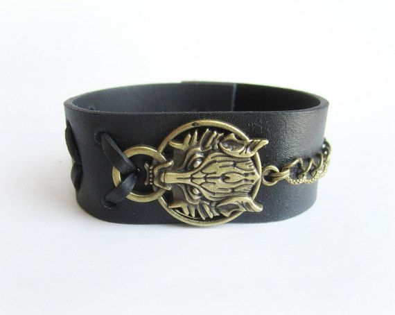 Mens wolf bracelet mens leather cuff bracelet by Bravemenjewelry