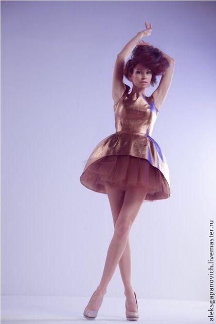 Платья ручной работы. Ярмарка Мастеров - ручная работа. Купить Бронзовое платье. Handmade. Однотонный, бронзовый цвет, фатиновая юбка
