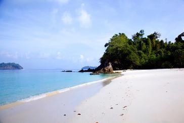 La plage paradisiaque de Barwell Island en Birmanie !