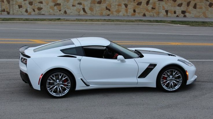 2015 chevrolet corvette z06 2lz 62l supercharged v8 di artic white click to find out more httpnewmusclecarsorg2015 chevrolet corvette z06 - Corvette C7 Z06 White