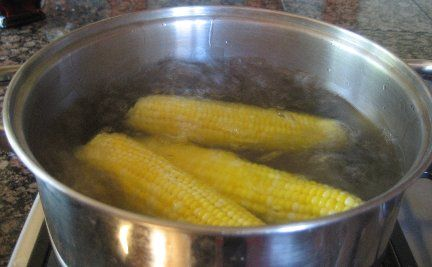 Perfectly boiled corn on the cob