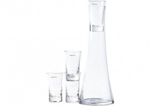 snaps carafe w/glasses -- Better Living Through Design    #akvavit #scandinavian #skol