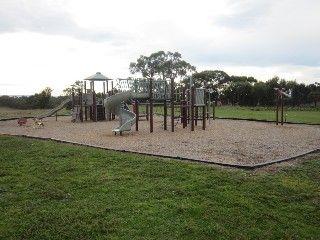 Red Gum Picnic Area, Hawkstowe Park, Gordons Rd, South Morang