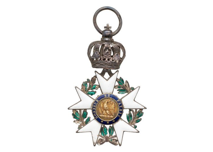 Waterloo200 - French Legion d'Honneur picked up at Waterloo. The Legion of Honour, or in full the National Order of the Legion of Honour (French: Ordre national de la Légion d'honneur) is a French order established by Napoleon Bonaparte on 19 May 1802. http://www.nam.ac.uk/waterloo200/200-object/french-legion-dhonneur-picked-up-at-waterloo/ #W200Items