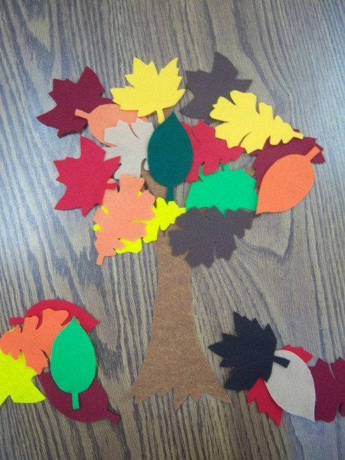 storytime katie: Flannel Friday - Leaves!