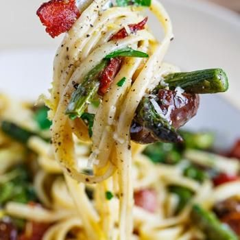 Roasted Asparagus and Mushroom Carbonara ...I would make with zuccini ...