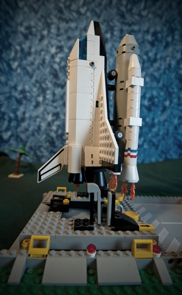 best 25 lego space shuttle ideas on pinterest lego city. Black Bedroom Furniture Sets. Home Design Ideas