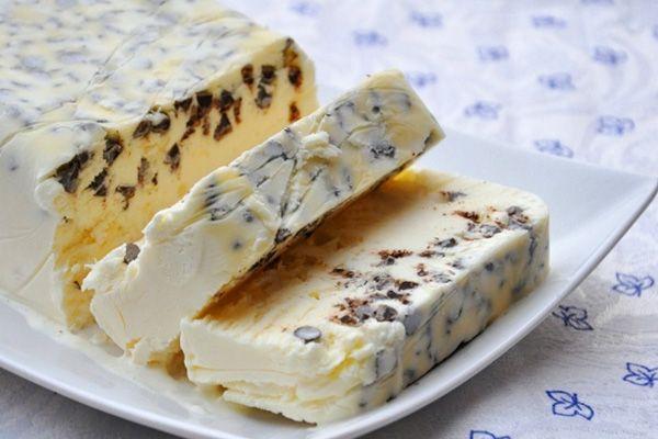 3 συνταγές για γλυκά με γιαούρτι σε δέκα λεπτά-Υγιεινό σεμιφρέντο με γιαούρτι και μέλι