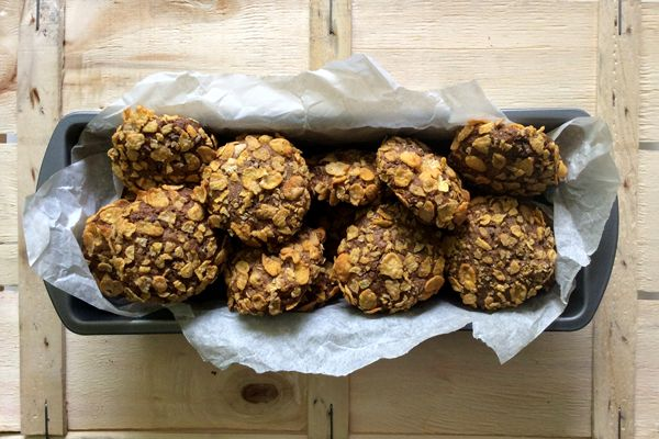 Barley cookies with corn flakes